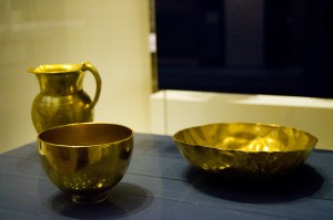 solid gold tableware