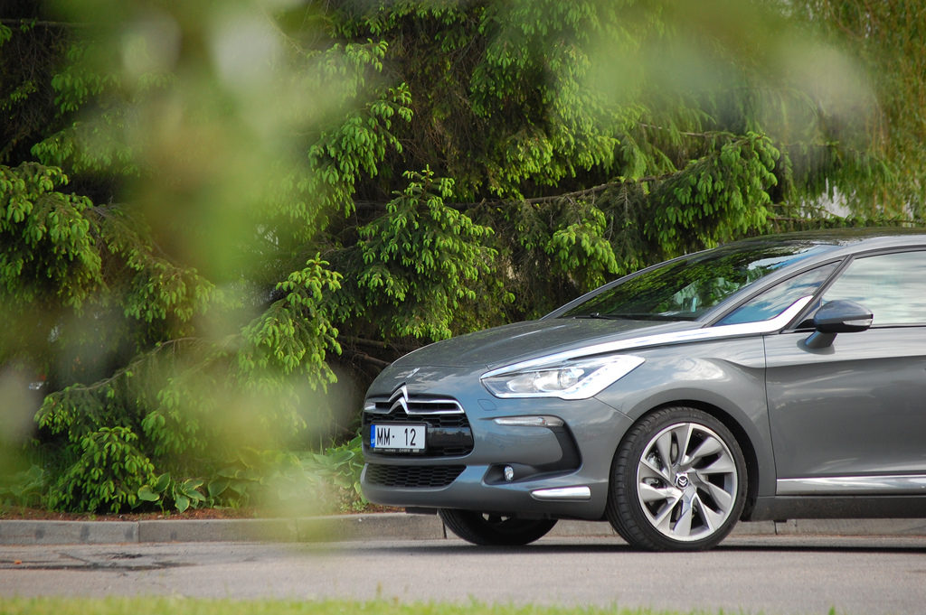 3 Most Surprisingly Fuel Efficient (and Inefficient) Cars in Singapore