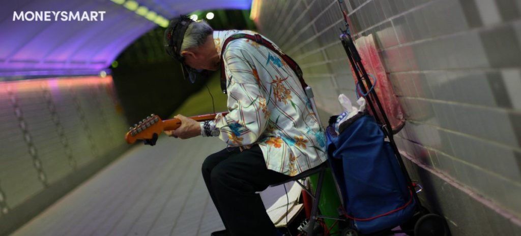 fined in singapore (busker singapore)